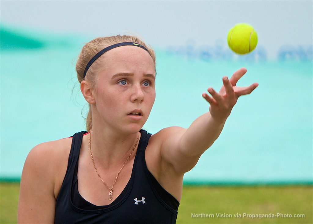 LIVERPOOL, ENGLAND - Friday, June 16, 2017: Ellie Aldrich (GBR) during Day Two of the Liverpool Hope University International Tennis Tournament 2017 at the Liverpool Cricket Club. (Pic by David Rawcliffe/Propaganda)